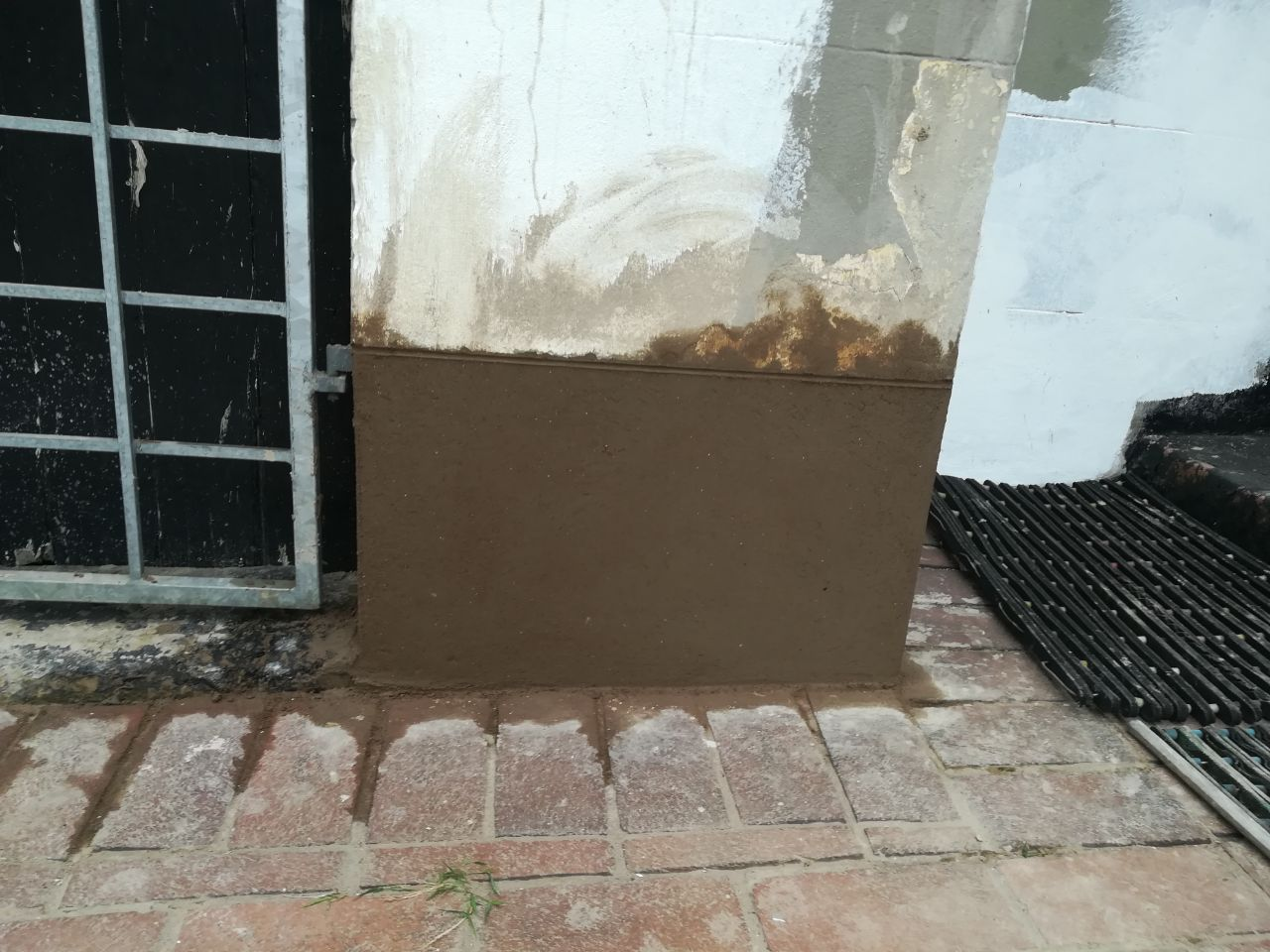 Commercial Building painting and plastering
